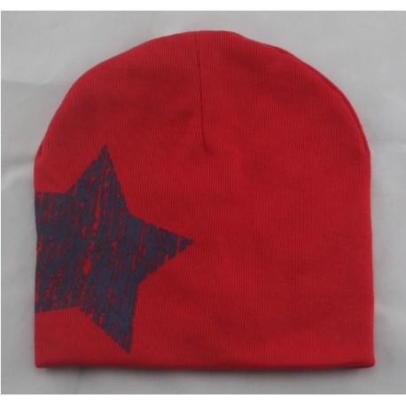 Kepurytė mažiesiems, raudona su žvaigžde