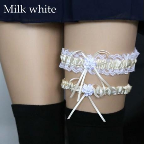 Pieno baltos spalvos keliaraištis
